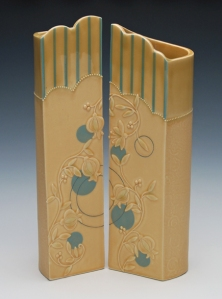 Kristen Kieffer Screen vase pain in Honeycomb w. blues
